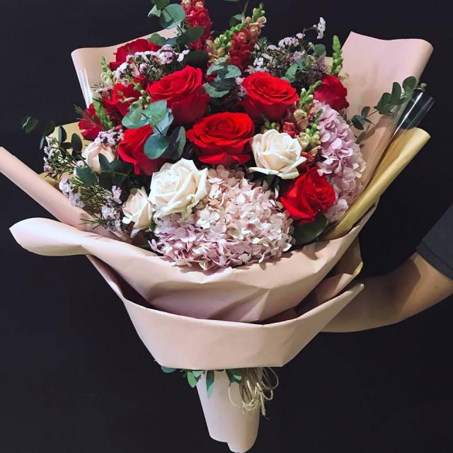 Những bó hoa 20/10 đẹp dễ thương tặng người yêu, bạn bè 5