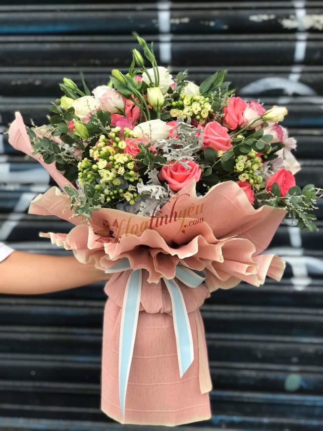 Những bó hoa 20/10 đẹp dễ thương tặng người yêu, bạn bè 9
