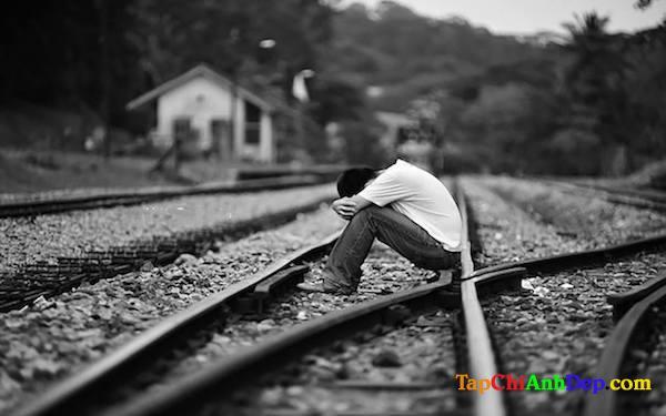 Hình ảnh buồn cô đơn 1 mình lột tả đúng tâm trạng của bạn.