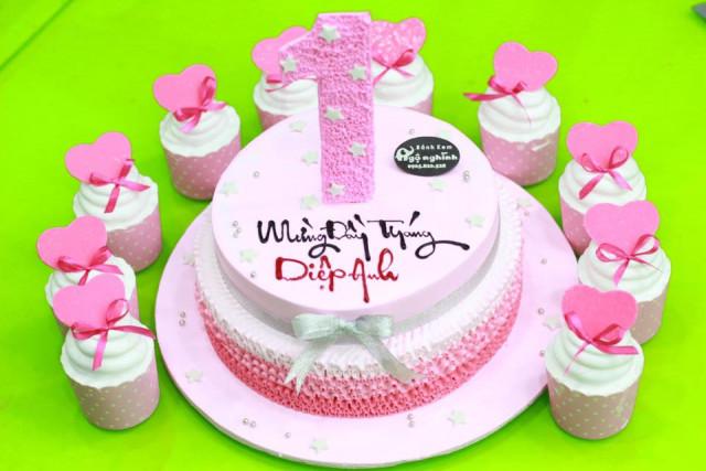 Những mẫu bánh sinh nhật dễ thương cho bé gái mẫu 3