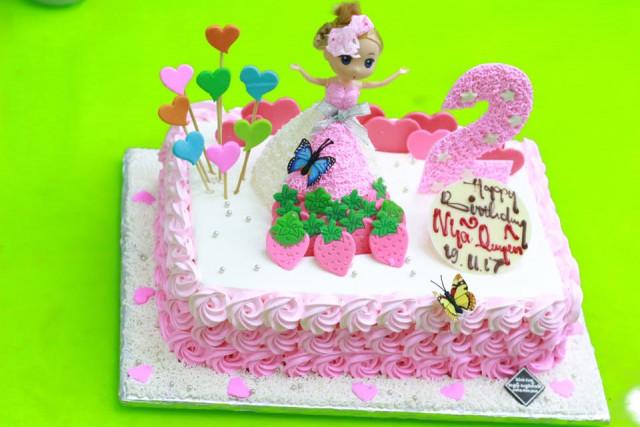 Những mẫu bánh sinh nhật dễ thương cho bé gái mẫu 5