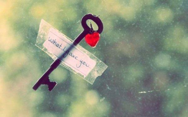 Những stt hay về tình yêu đơn phương buồn trên Facebook