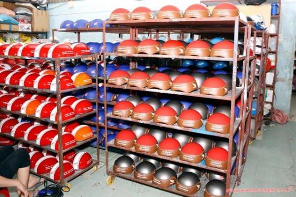 Sản xuất mũ bảo hiểm như thế nào là đạt chuẩn?