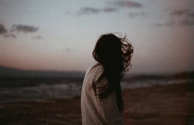 Stt tâm trạng mệt mỏi về cuộc sống buồn chán khiến bạn gục ngã